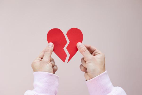 Wanita Mesti Ada Maruah Diri, Suami Cakap Dah Tak Sayang, Tekadkan Hati Pergi!